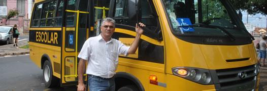 Zero – Micro-ônibus adquirido pela Prefeitura.
