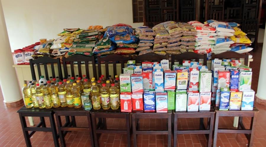 fd9cde6cb4 Recanto São Vicente de Paula recebe doação de alimentos do Carnaval da  Família
